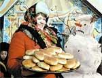 На масленицу в Челябинске устроят бои мешками, забег на ходулях и конкурс блинов