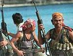 В Сети предлагают поохотиться на сомалийских пиратов: автомат Калашникова и патроны - бесплатно! (ФОТО)