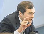 Эксперты: цель Суркова - убить политический плюрализм