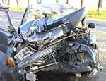 В Челябинской области легковушка залетела под КамАЗ, двое погибших / За рулем ВАЗ сидел милиционер без водительских прав