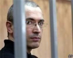 За время заключения Ходорковский из посредственного автора превратился в мощного литератора / Акунин, Улицкая и Парфенов оценили первую книгу МБХ