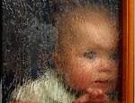 В Копейске годовалая девочка погибла, упав на пол в ванной