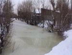 В Коркино среди зимы затопило целый микрорайон: дома, огороды и дороги сковало льдом (ФОТО) / Из-за чрезвычайной ситуации районные власти готовы эвакуировать жителей