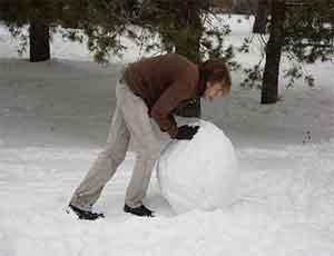 Жители Магнитогорска скатают самый большой в мире снежный ком