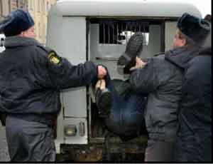 В Челябинске полиция задержала группу террористов / Теперь может достаться самим полицейским