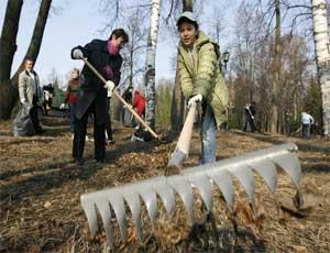 В Челябинске во время весенних субботников собрали 20 тысяч тонн мусора