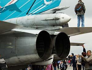 В Челябинске отметили 100-летие ВВС России (ФОТО, ВИДЕО) / Погода была дождливой, но летной