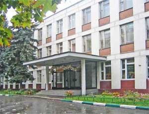 Директора челябинской школы оштрафовали за отказ перевести ученицу в 10-й класс