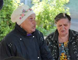 В Троицке старушка не разрешала соседям спать и обещала позвонить лично Медведеву