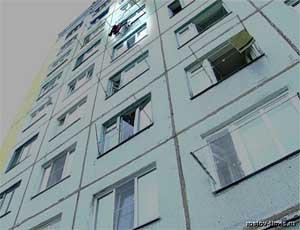 В Челябинске 14-летняя школьница выбросилась из окна десятого этажа из-за несчастной любви