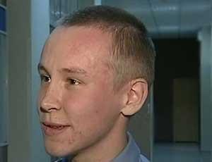В Челябинске нашли парня, помогавшего выбраться пассажирам тонущей маршрутки / Он оказался одним из пассажиров