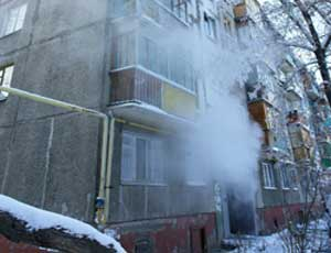Жильцам одного из домов Челябинска приходится принудительно проходить банные процедуры (ФОТО) / Коммунальщики ликвидировать сауну в подъезде не собираются