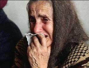 В Челябинске ограбили 75-летнюю женщину / Пенсионерку ударили кулаком по лицу