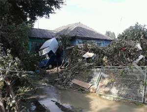В Аше уровень воды в реке Сим пошел на убыль, но еще превышает критический показатель / Подтопленными остаются 98 домов , 500 садовых участков и 520 гаражей