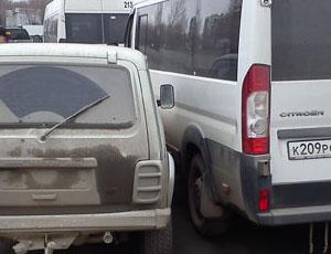 В Челябинске произошло еще одно нападение на маршрутку (ФОТО) / Оппоненты начали давить людей