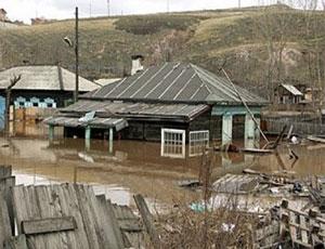 В Аше остаются затопленными две улицы / Уровень воды постепенно снижается