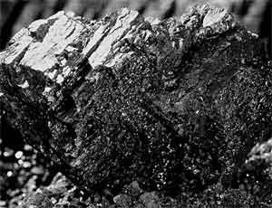 """ЧП на шахте """"Коркинская"""": обрушилась порода / Под завалами оказались 2 человека"""
