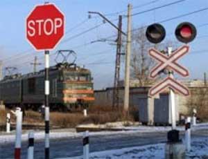 На Южном Урале КАМАЗ снес шлагбаум железнодорожного переезда