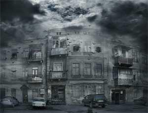 В Челябинске 4 семьи живут в доме-призраке / Без света, горячей воды и отопления