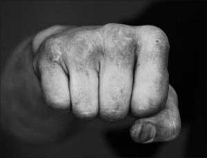 В Челябинске хулиган напал на полицейского