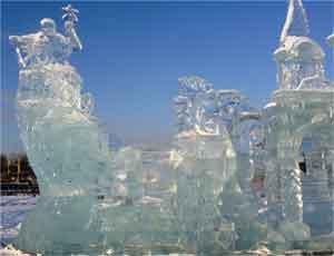 В Челябинске появился лед для новогоднего городка / И электричество для праздничной иллюминации