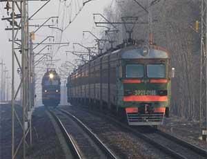 На месте схода вагонов под Златоустом восстановлено движение поездов по четному пути