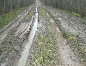 В Челябинске дорожное покрытие портит воздух и разбивает лобовые стекла
