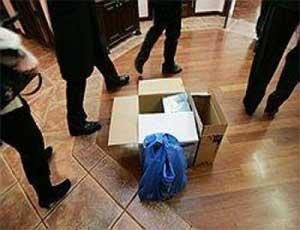 Бомба в диктофоне? / В редакции златоустовского оппозиционного СМИ прошли обыски