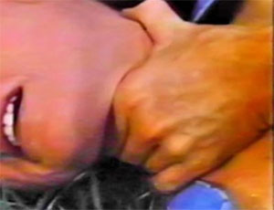 Южноуралец, полгода истязавший супругу из-за ревности, предстанет перед судом
