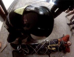 В Челябинске промышленный альпинист сорвался с 5 этажа
