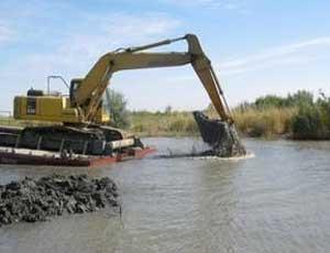 В Златоусте застопорилась работа по очистке городского пруда от ила / Подрядчик не освоил 10 миллионов рублей