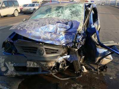 В Челябинске произошло ДТП с участием трех автомобилей, есть пострадавшие (ФОТО)