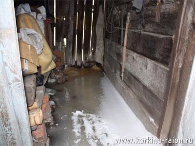 Новый Регион: В Коркино среди зимы затопило целый микрорайон: дома, огороды и дороги сковало льдом (ФОТО)