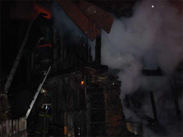На пожаре в Златоусте  погибли 4 человека  (ФОТО)