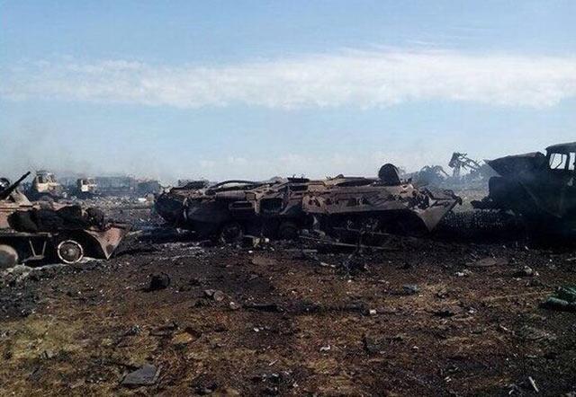 Новый Регион: Украинская группировка попала в окружение на границе с Россией и уничтожается артиллерией (ФОТО)