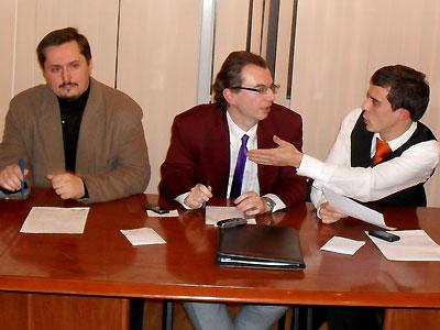 В Москве прошли дебаты между либералами и националистами (ФОТО) / С разгромным счетом победил представитель ДПНИ
